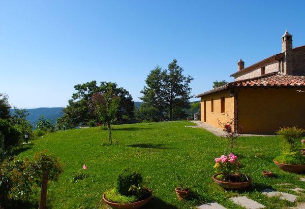Maisons à louer à Camucia-monsigliolo. Locations vacances à ...